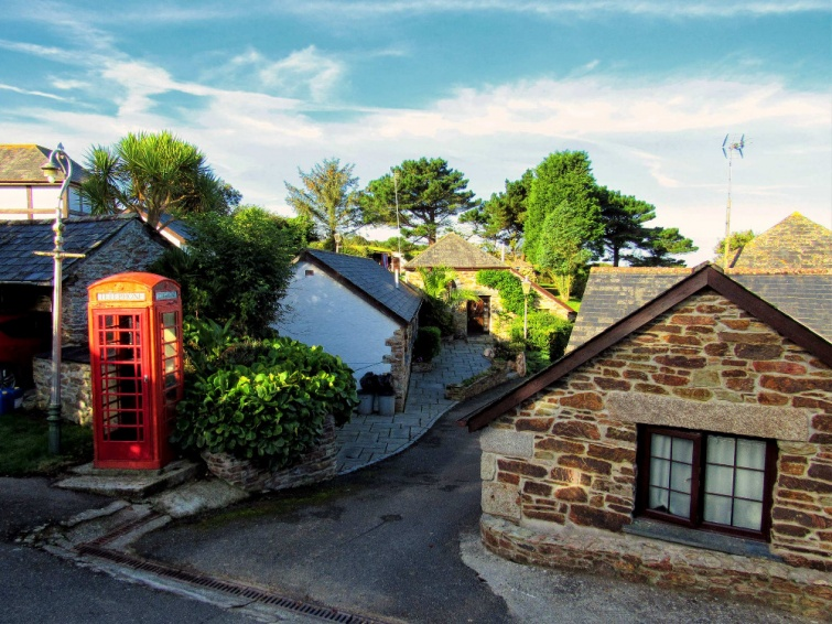 Hendra Paul Holiday Cottages Newquay Courtyard View