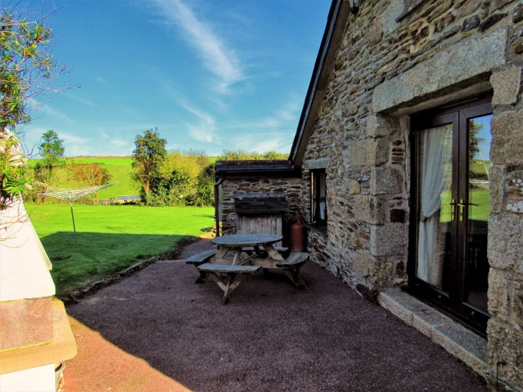 Newquay Cottage - Spiders Web BBQ and Outdoor Seating Area
