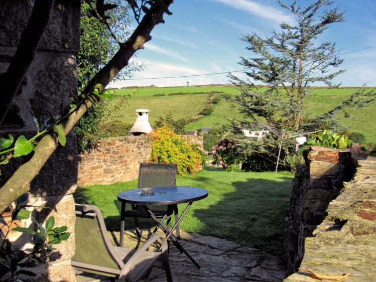 Wildflower Holiday Cottage Newquay - Private Gardens